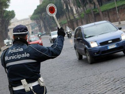 ¡Atención, motero! Roma prohibe el tráfico a todas las motos Euro 1