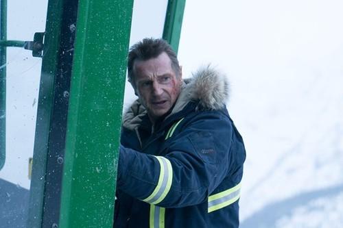 'Venganza bajo cero': un simpático thriller donde acción y humor no terminan de cuajar