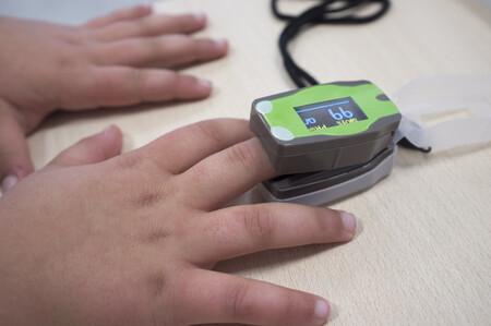 Cómo utilizar correctamente el pulsioxímetro en bebés y niños