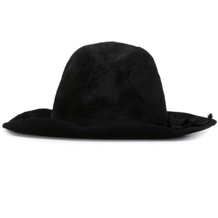 El clon de la semana: deconstrucción en negro para el accesorio más cool del otoño