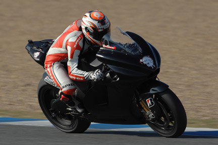 ¿Qué pasa con Marco Melandri y su Ducati?