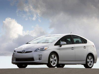 Si tienes un Toyota Prius, probablemente tengas que llevarlo a la agencia. Aquí te decimos porqué