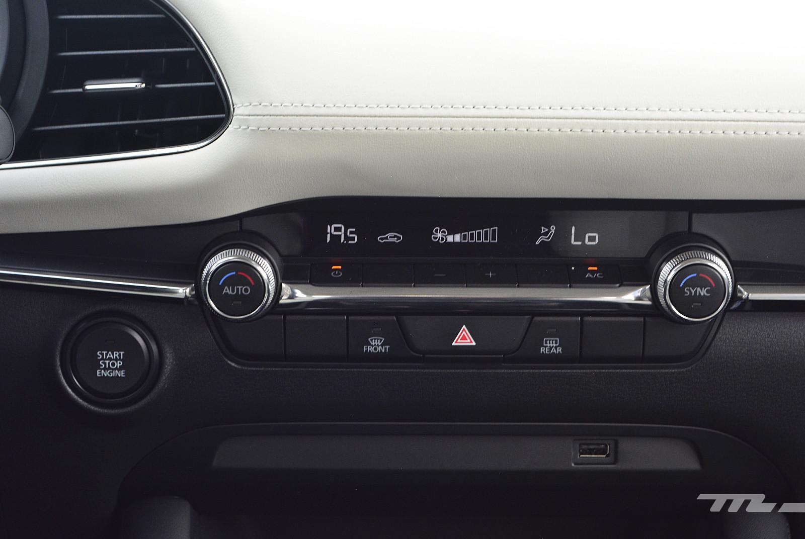 Foto de Mazda 3 vs. SEAT León (comparativa) (18/28)