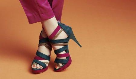 Blanco zapatos Otoño 2011-2012: colorines en tus pies