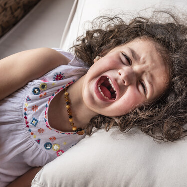 Mi hijo no quiere que lo abrace cuando tiene una rabieta: ¿qué puedo hacer para consolarle?