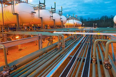 España tiene bastante suerte de no depender de Rusia en materia energética
