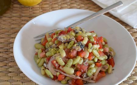 Ensalada de alubias verdinas con sardinas: receta saludable