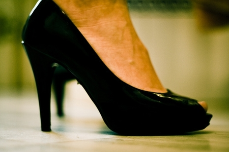 Cómo evitar y tratar las primeras rozaduras del año en tus pies