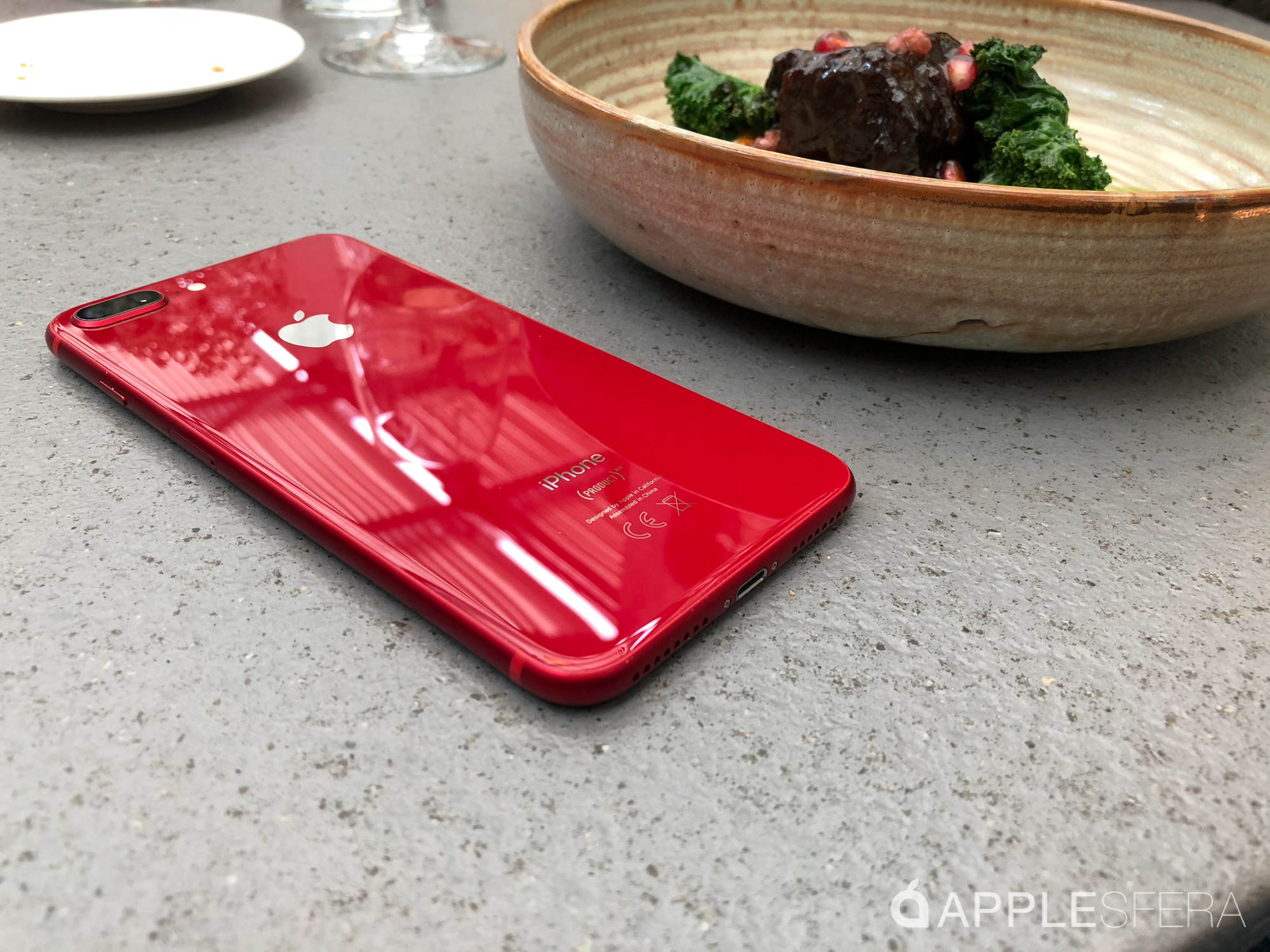 Foto de iPhone 8 Plus (RED) (27/28)