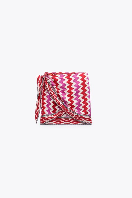 Dónde se puede encontrar todavía la falda pareo estampada de Zara 7521/248 que se ha agotado en web
