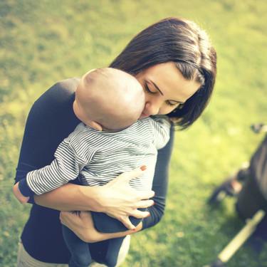 La publicación viral que muestra lo solitaria que puede ser la maternidad, y lo que podemos hacer para ayudar