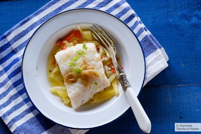 Merluza al horno con ajada al limón: receta fácil y rápida
