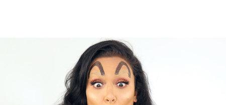 """Huda Kattan trollea las tendencias más locas de instagram con las """"cejas McDonald's""""... ¡y las hace virales!"""
