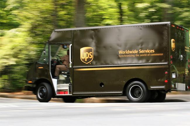 Sí, UPS hace años que evita girar hacia la izquierda, y así lleva ahorrados casi 38 millones de litros de gasolina anuales