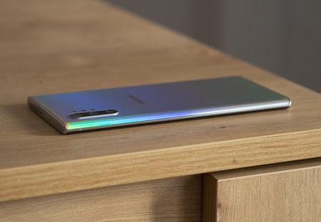 Samsung Galaxy Note 10 Plus Diseno 03