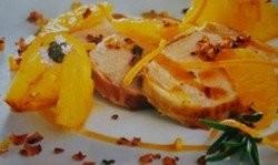 Lomo a la sal con piña y naranja
