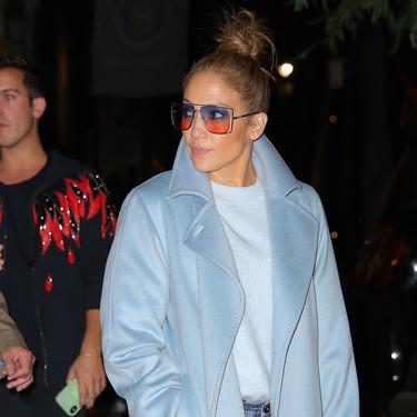 Jennifer López luce el abrigo que vas querer lucir este invierno