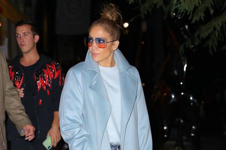 Jennifer López tiene el abrigo que vas querer lucir este invierno
