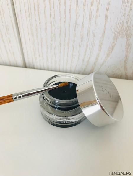 review etnia cosmetics labiales eyeliner