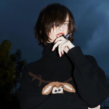 Zara se apunta a la tendencia del ugly sweater y lanza una versión al más puro estilo Bridget Jones (y nos sigue gustando)