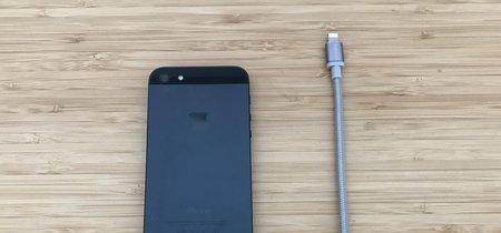 ¿Te falta espacio en tu iPhone? Este cable Lightning con lector Micro SD integrado te salvará la vida