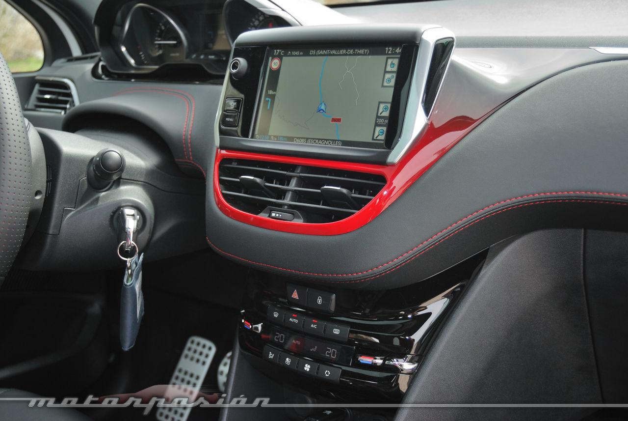 Foto de Peugeot 208 GTi (presentación) (28/42)