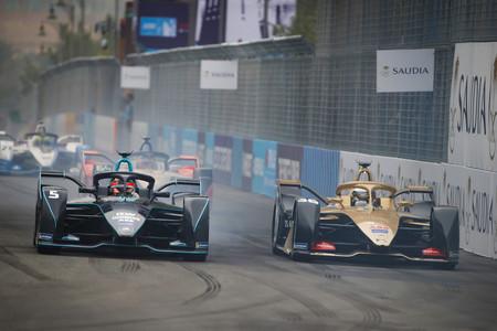¿Paradas en boxes en la Fórmula E? Los nuevos coches eléctricos de la categoría tendrán carga rápida