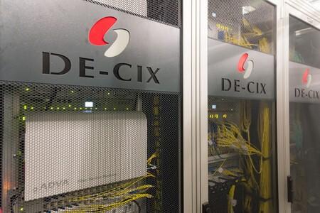 Inside De Cix 6