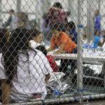 Esto es cruel e inhumano: el angustioso llanto de los niños separados de sus padres en la frontera por la política de Trump
