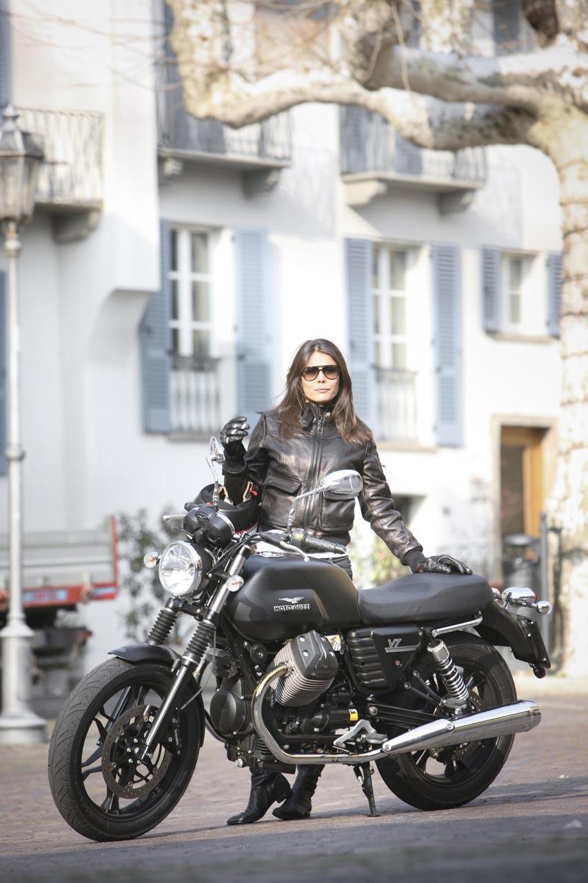 Foto de Moto Guzzi V7 Stone (43/57)