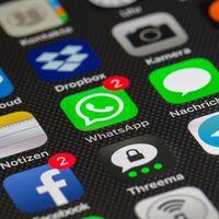 WhatsApp mostrará un aviso en la sección de chats para que conozcas su nueva política de privacidad, antes de aceptar a la fuerza