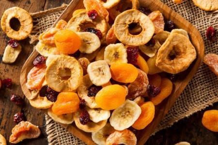 Cuatro buenas razones para consumir frutas desecadas si quieres adelgazar