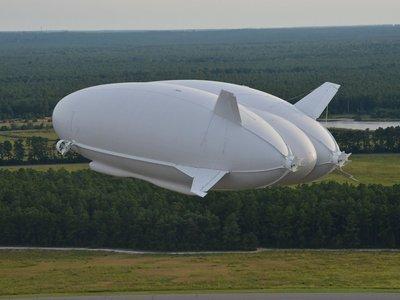 Sergey Brin también quiere volar, pero su proyecto secreto es un dirigible gigante
