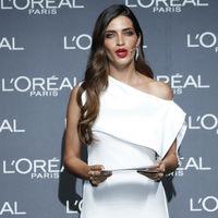 Los looks de Sara Carbonero en los Premios L'Oréal