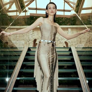 Milena Smit deja atrás los convencionalismos con un espectacular vestido de Givenchy en los Premios Goya 2021
