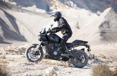 Apta para todos: así funciona la suspensión con reducción de altura inteligente de la Harley-Davidson Pan America