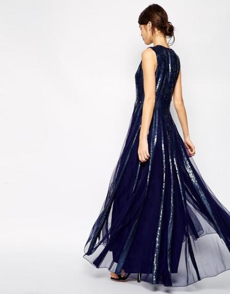 7 vestidos en azul noche ideales para despedir el año