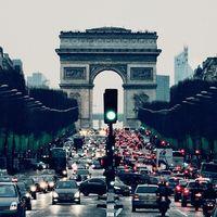 Freno a las emisiones: la UE recorta los niveles de CO₂ para los coches nuevos de cara a 2025