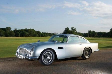 El Aston Martin DB5 de James Bond, vendido por 4,6 millones de dólares