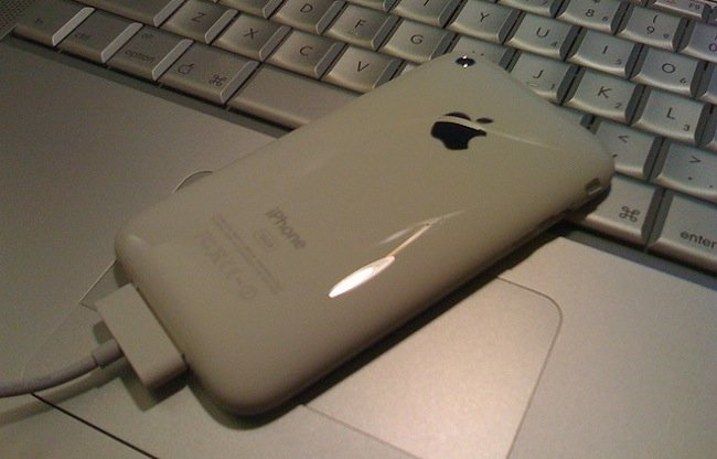 iPhone 3G blanco MacBook Pro