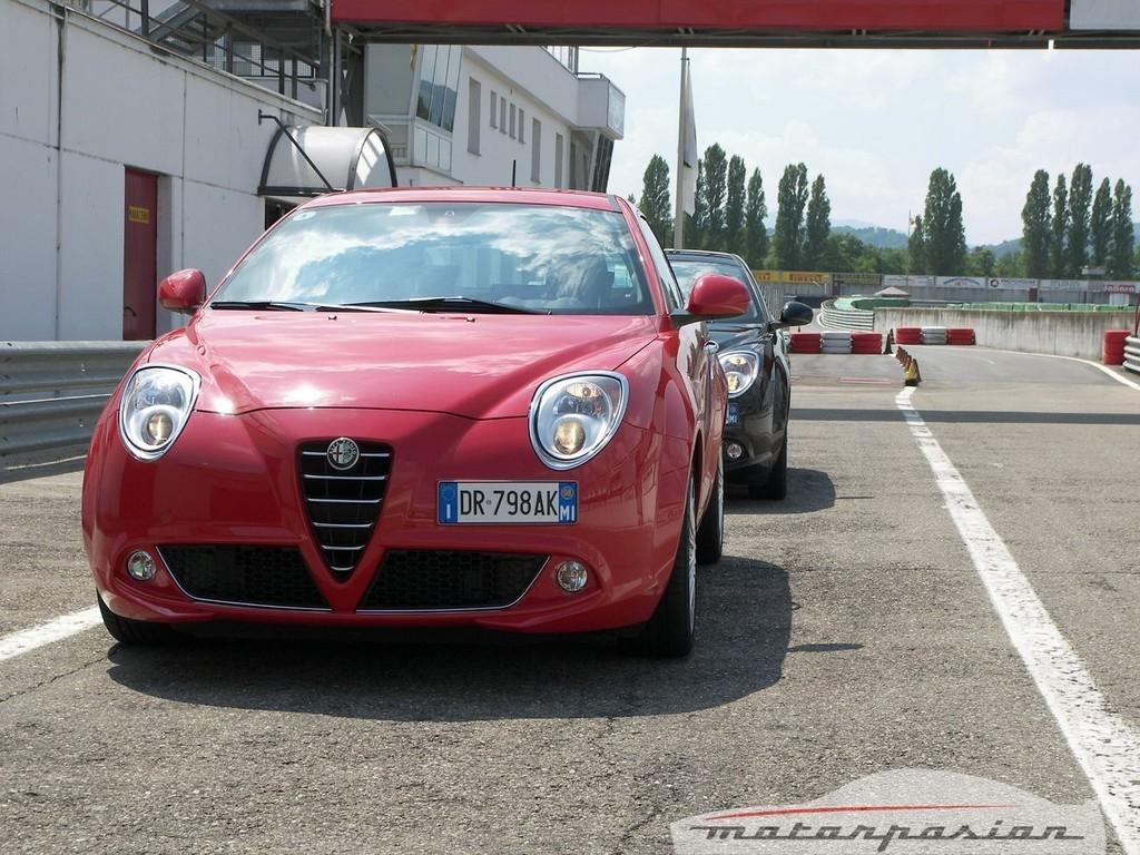 Foto de Alfa Mi.To, prueba en el circuito de Varano de Melegari (16/46)