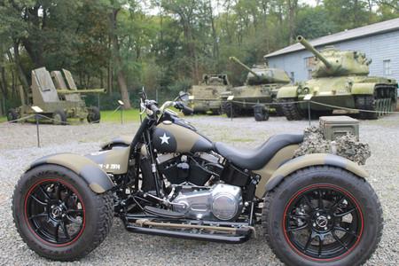 ¿Qué puedes hacer con tu vieja Harley-Davidson? Gastarte 34.000 eurazos y convertirla en quad muy absurdo