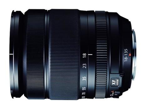 lens_18-135mm_black_side.jpg