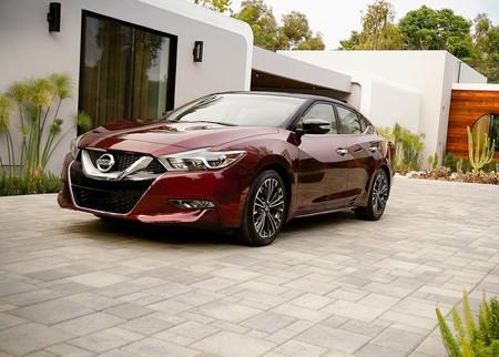 El Nissan Maxima es llamado a revisión en México por posible falla en frenos ABS