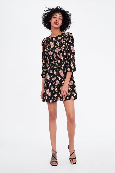 Rebajas De Zara Verano 2019 Vestidos Tops Y Chaquetas Para