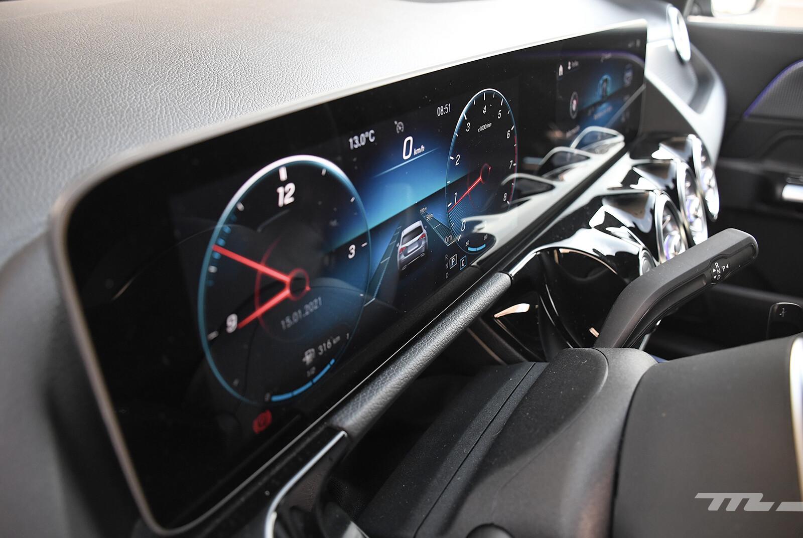 Foto de Mercedes-Benz GLA 200 (prueba) (23/30)