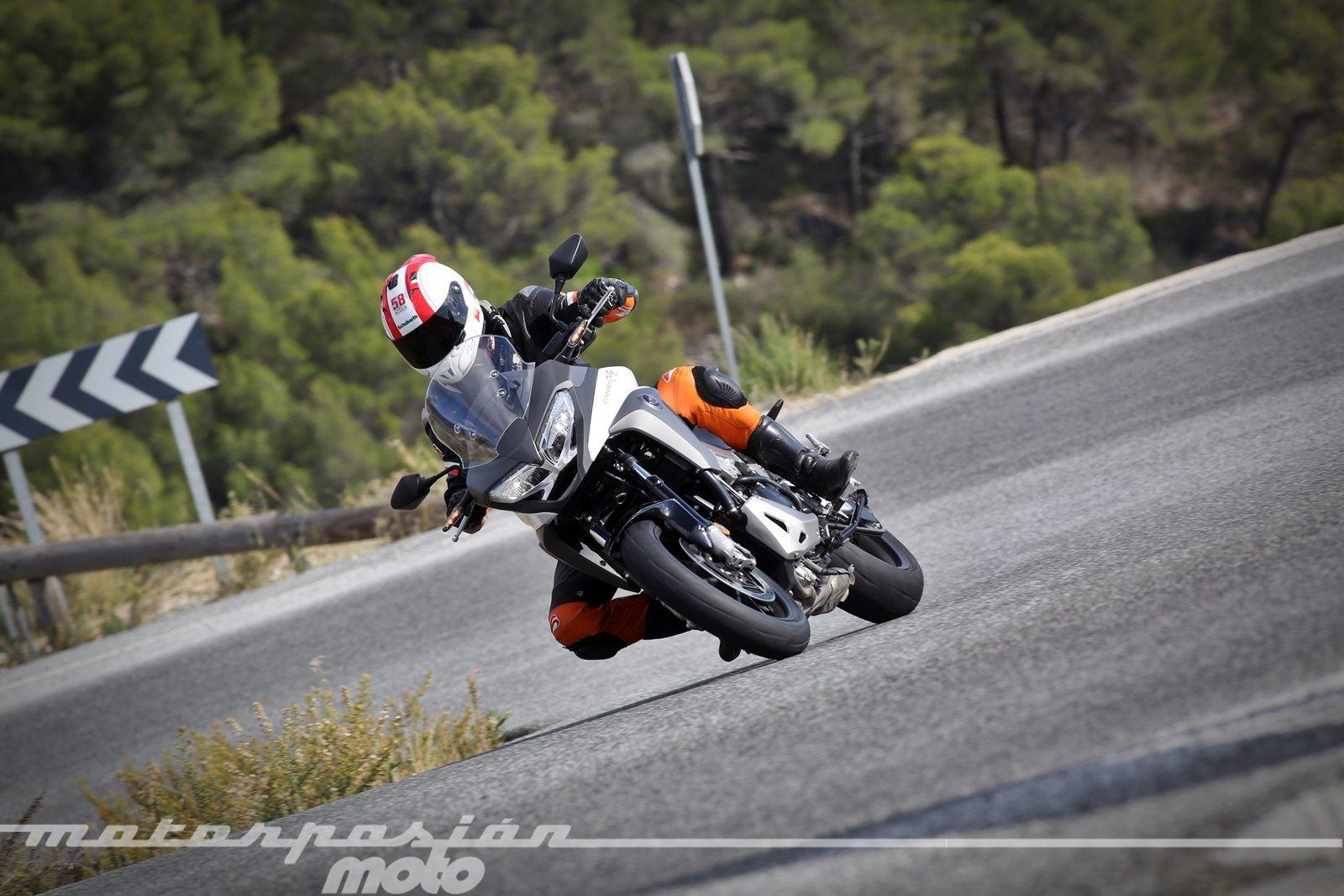 Foto de Honda VFR800X Crossrunner - Acción (12/23)