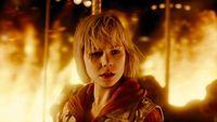 Aquí tenemos el primer tráiler oficial, con un porrón de spoilers, de la largamente esperada película 'Silent Hill: Revelation 3D'