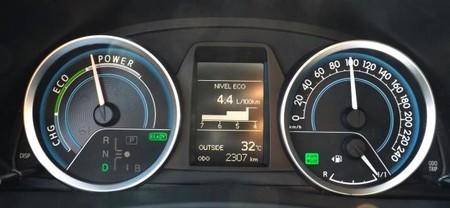 Toyota Auris Touring Sport Hibrido, consumo