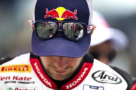 Jonathan Rea se queda otro año en Honda, ¿tiene la Honda RCV 1000 algo que ver?